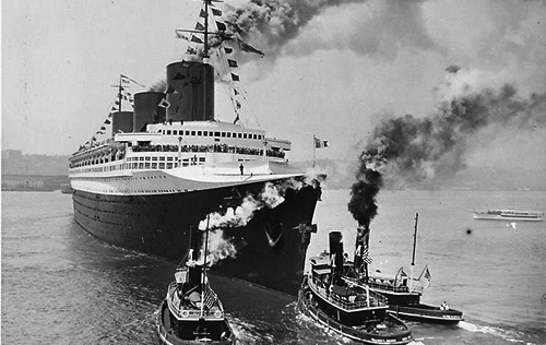 Normandie's maiden arrival at New York